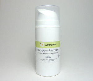 Containing menthol, and lemongrass for hot tired feet and ideal for use as a lubricant when giving a reflexology treatment.
